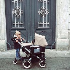 One in the bassinet, one on the comfort wheeled board and a bag in the side luggage basket. There's room for everyone (and everything) when you're strolling with the Bugaboo Donkey. Thanks @mykidsmyalllife for sharing this lovely photo of the Bugaboo Donkey in off white. #bugaboo #bugaboodonkey