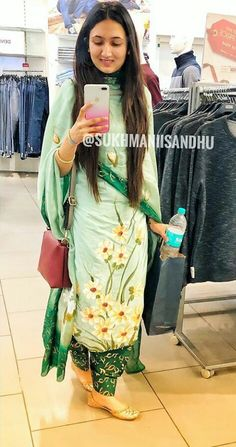 @manidrehar❤ Punjabi Salwar Suits, Designer Punjabi Suits, Indian Designer Wear, Patiala, Embroidery Suits Punjabi, Embroidery Suits Design, Indian Suits, Indian Wear, Indian Dresses