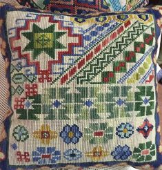 Cross Stitch Pillow, Punch Needle, Pj, Needlepoint, Embroidery Patterns, Needlework, Arts And Crafts, Quilts, Blanket