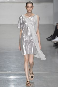 London Fashion Week Day 3 Richard Nicoll Spring/Summer 2015  Ready to wear  14 September 2014