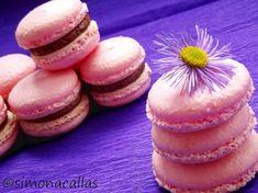 Macarons reteta simpla 1 Macaron Recipe, Something Sweet, Macarons, Doughnut, Diy And Crafts, Food And Drink, Cooking, Breakfast, Desserts
