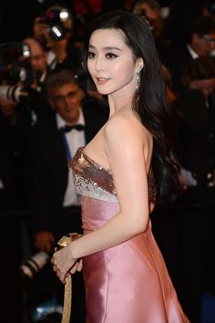 Fan Bingbing on the red carpet at the Festival de Cannes 2013. (Getty Images)