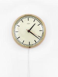 Alicja Kwade, 'Gegen den Lauf ,' 2014, KÖNIG GALERIE Contemporary Sculpture, Artsy, Clock, Wall, Artwork, Home Decor, Watch, Work Of Art, Decoration Home