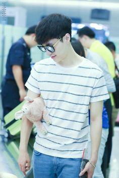 exo lay 150617 shanghai airport #laymin #lay #zhang #zhangyixing