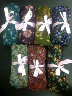 Pashmina Corak Bahan Chiffon. Edisi bunga Cuma Rp27.500. Minimal pembelian 3 pcs Rp25.000  Grab it :)