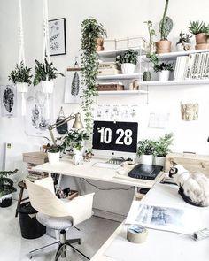 nice desk - margot hupert