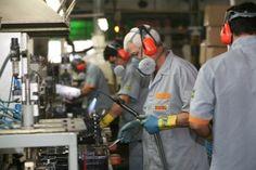 Canadauence TV: As industrias no Vale do Paraíba demitiu mais de 4...
