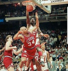 The GOAT smashes one in over Chunky Barkley in Chicago.
