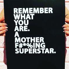 (XXXII/MMXVII) MUJER: Madre Pareja Ejecutiva... Heroina! #Uff Comienzo esta nota con mucho entusiasmo sabiendo que al igual que yo tu que me lees en este instante estas queriendo ser tu mejor versión en todo lo que haces. Por eso he decidido apoyarte en serlo.  Hoy hablemos de: Ser madre pareja y empleada (o empresaria) sabiendo que esto representa un triple reto para cualquier persona. Pretendemos de una forma práctica que puedas balancear el tiempo y la energía que demanda atender la a la…