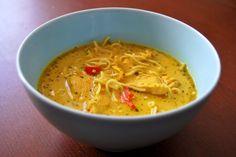 Tajska zupa z kurczakiem i mlekiem kokosowym Cream Soup, Thai Red Curry, Recipies, Dinner Recipes, Chili, Ethnic Recipes, Food, Drinks, Diet