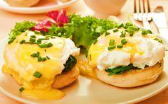 Ouăle Florentine sunt varianta la fel de gustoasă dar mult mai sănătoasă a ouălor Benedict. Mic-dejun/aperitiv rapid, colorat, sățios și absolut delicios.