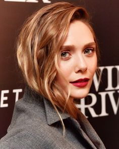 With the help of Hollywood stylist Sarah Slutsky, Elizabeth Olsen has orchestrated a standout 'Wind River' press tour wardrobe of Dior, Miu Miu and Marc Jacobs hits Elizabeth Olsen, Mary Kate Olsen, Wanda Marvel, Olsen Sister, Copper Blonde, Marvel Actors, Cut And Color, Red Hair, The Help