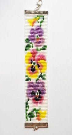 off loom beading stitches Beading Patterns Free, Seed Bead Patterns, Jewelry Patterns, Cross Stitch Patterns, Beading Ideas, Loom Bracelet Patterns, Bead Loom Bracelets, Bead Loom Designs, Beaded Banners
