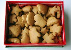 Simple gingerbread cookies - Galletas navideñas de jengibre sencillas