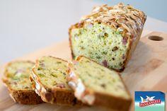 Cake salato con asparagi e speck