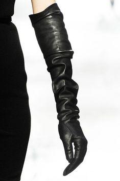 Lanvin black leather gloves.... ᘡղbᘠ