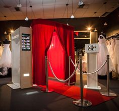 Enclosed Photo Booth $899 x4hr