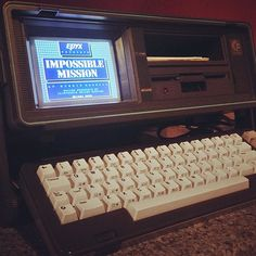 Portable gaming, 1984 style #c64