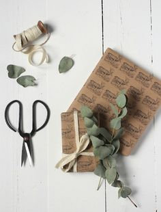 DIY Reindeer Wrapping Paper - Reader Feature - The Graphics Fairy