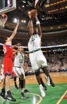NBA: EASTERN CONFERENCE SEMIFINALS GAME 1  76ers 91 Celtics 92 FINAL  Top Performer- K. Garnett 29 Pts, 11 Reb, 1 Ast, 1 Stl, 3 Blk  CELTICS LEAD SERIES 1-0  keepinitrealsports.tumblr.com  keepinitrealsports.wordpress.com
