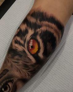 Tigeraugen Tattoo, Hand Tattoos, Lion Head Tattoos, Girl Arm Tattoos, Badass Tattoos, Body Art Tattoos, Cool Tattoos, Tiger Eyes Tattoo, Tiger Tattoo Sleeve