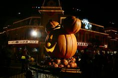 Now THAT is a Mickey pumpkin!
