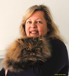 We were so happy that Laura Bullock attended The Conference on Complementary Animal Healing. She's shown here with her sweet cat, Sophie. Acupressure, Acupuncture, Craniosacral Therapy, Conference, Healing, Cats, Sweet, Happy, People