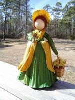 . Corn Husk Crafts, Corn Husk Dolls, Crepe Paper Flowers, Soft Dolls, Doll Face, Paper Dolls, Garden Sculpture, Decoupage, Projects To Try