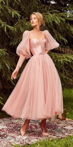 Plus Size Country Wedding Dresses 24 Gorgeous Tea Length Wedding Dresses tea length wedding dresses with long sleeves simple pink kookla Elegant Dresses, Pretty Dresses, Vintage Dresses, Beautiful Dresses, Vintage Outfits, Simple Dresses, Gorgeous Dress, Tea Length Dresses, Ball Dresses