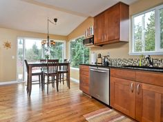 6724 47th Place SW Seattle, WA 98136