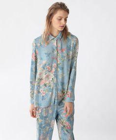 Camisa floral vintage - Zobacz wszystko - Modowe trendy AW 2016 dla kobiet na stronie Oysho: bielizna, odzież sportowa, motywy etniczne i cygańskie, buty, dodatki, akcesoria i stroje kąpielowe.