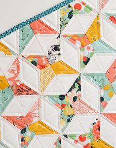 Down Grapevine Lane // Fancy & Fabulous mini quilt #iloverileyblake #rileyblakedesigns #fancypantsdesigns #fancyandfabulous #downgrapevinelane