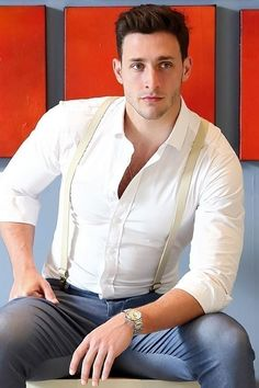 """Try To Control Yourself, But The """"Sexiest Doctor Alive"""" Is Giving Away A Date For Charity Dr. Mikhail Varshavski is a family medicine resident at Overlook Medical Center in Summit, New Jersey. Dr Mike Varshavski, Hot Doctor, Costume Sexy, Business Outfit, Cute Guys, Gorgeous Men, Mens Suits, Men's Fashion, Sexy Men"""