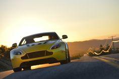 Sunset Drive: Aston Martin V12 Vantage S