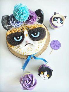 Hahahaha grumpy cat cake, Chloe and I want one