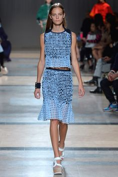 Sacai Spring 2014 Ready-to-Wear Fashion Show - Ine Neefs (Elite)