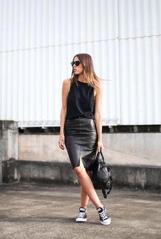 черная кожаная юбка карандаш, юбка-карандаш из кожи, образы с кожаной юбкой карандаш