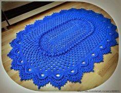Красивый коврик овальный