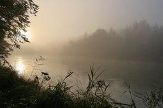 mystischer #Sonnenaufgang im Herbst an der Isar in München Süd