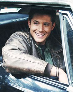 Smiling Jensen as Dean Winchester From Supernatural Sam Winchester, Winchester Brothers, Jensen Ackles, Jeffrey Dean Morgan, Sam Dean, Supernatural Fans, Castiel, Clark Kent, Jared Padalecki