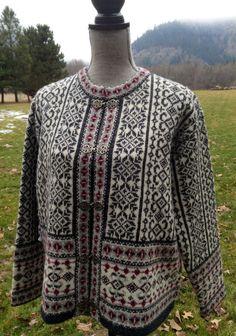Dale of Norway Norwegian wool sweater made in by VikingRaids Fair Isle Knitting, Knitting Yarn, Hand Knitting, Knitting Stitches, Norwegian Knitting, Sweater Design, Vintage Knitting, Sweater Fashion, Wool Sweaters