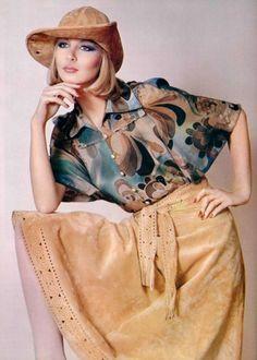 Ted Lapidus - L'Officiel magazine 1975 Seventies Fashion, 70s Fashion, Fashion History, Fashion Photo, Autumn Fashion, Vintage Fashion, Patti Hansen, Lauren Hutton, Missoni