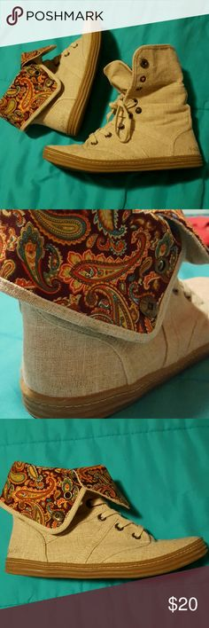Blowfish shoes lightly used Like new, worn maybe 3 times Blowfish Shoes