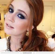 A Marina Ruy Barbosa sempre arrasa nas makes! Adoramos esse esfumado em tons de azul, ótima inspiração para quem quer variar do preto. Além de ser diferente, também destaca o olhar de forma mais leve.  #makeup #maquiagem #esfumado #azul #inspiração #dica #beleza #beauty #marinaruybarbosa #lnl #looknowlook