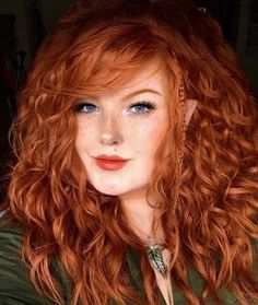 A particular penchant for pretty portraits, ravishing redheads, and fabulously freckled females. Stunning Redhead, Beautiful Red Hair, Gorgeous Redhead, Red Hair Blue Eyes, Shades Of Red Hair, Red Hair Woman, Freckles Girl, Redhead Girl, Ginger Hair