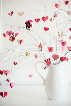 DIY Valentine's Day branch tree - The House That L - St Valentin Fleurs Valentines Day Decorations, Valentine Day Crafts, Happy Valentines Day, Valentine Tree, Valentine Poster, Valentines Design, Heart Decorations, Easter Crafts, Table Decorations