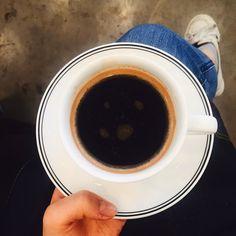 . . #바리스타그램#커피스타그램#커피#카페#라떼사랑 #라떼#커피투어#커피사랑그램 #커피사랑#일상#coffee#barista#coffeestagram#brewing#baristalife#coffeesh#hario#kalita#coffeebeans#서초#신반포#handdrip http://ift.tt/20b7VYo