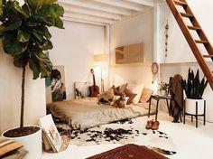 Floor Bed โทนสีน้ำตาลอบอุ่น เหมาะสำหรับสาวๆศิลปิน ♪ ♩ ♭ ♪