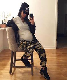 310b5ceee59fa Maternity Fashion, Pregnancy Goals, Popular Culture, Latest Styles, Mommy  Style, Bargain