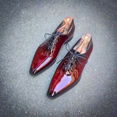 patina between plum and cherry for our Wholecut in Patent leather Mens Shoes Boots, Suede Ankle Boots, Men's Shoes, Shoe Boots, Dress Shoes, French Shoes, Monk Strap Shoes, Kinds Of Shoes, Luxury Shoes